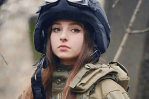beautiful female soldiers
